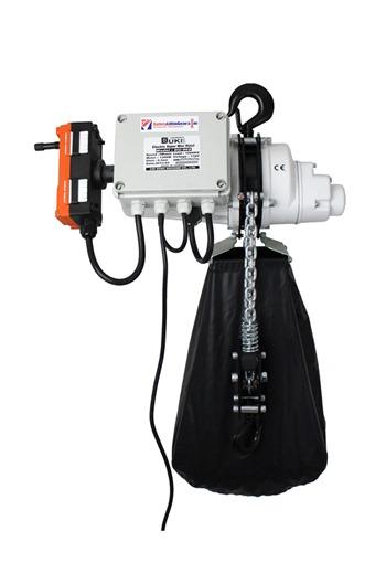 Radio Controlled Electric hoist 250kg, 110 volt c/w bag.