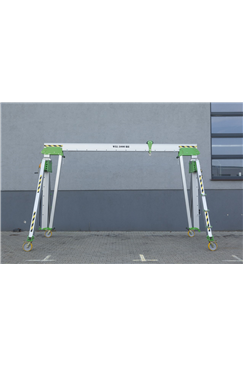 3000kg Aluminium Gantry, 6mtr beam, 3300-5700mm