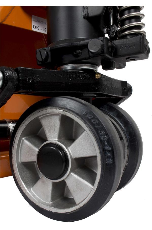 rubber wheel pallet truck 2 5tonne 540 x 1150mm